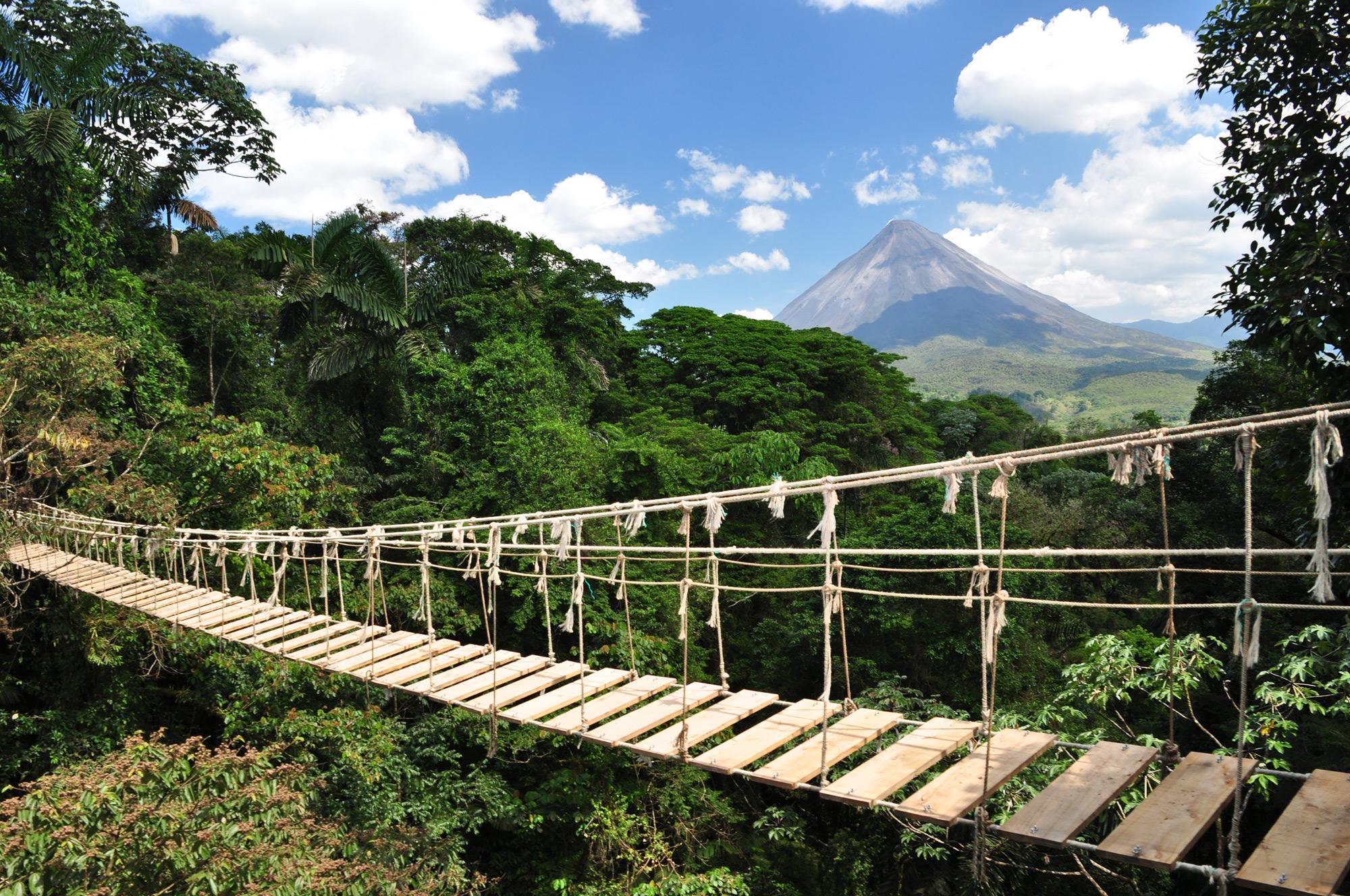 Costa Rica piensa en la energía renovable y a la preservación del ambiente