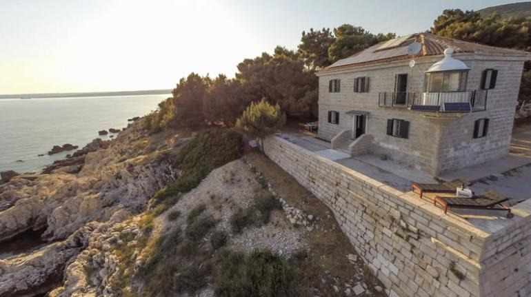 Los faros más bonitos de Europa - Crna Punta Faro - Croacia