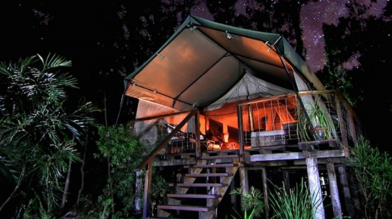 Paperback Camp en Australia