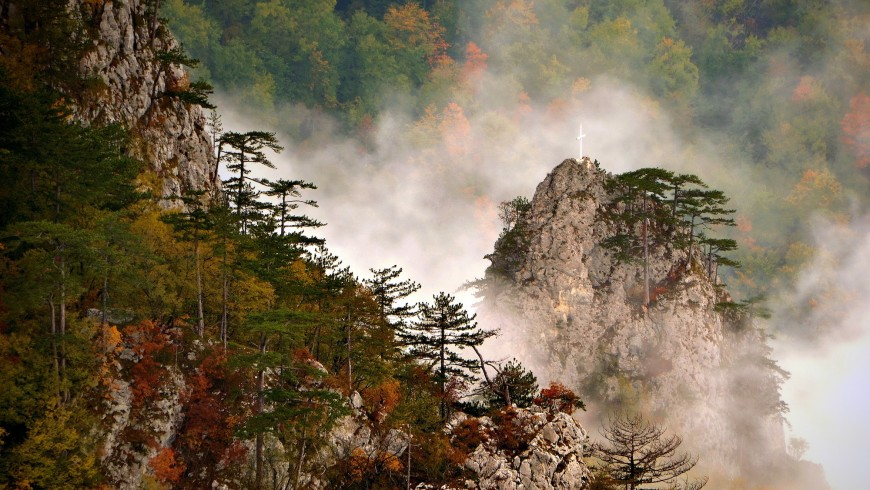 Kanjon_Rače_sa_vidikovca_Crnjeskovo_Nacionalni_park_Tara-870x490