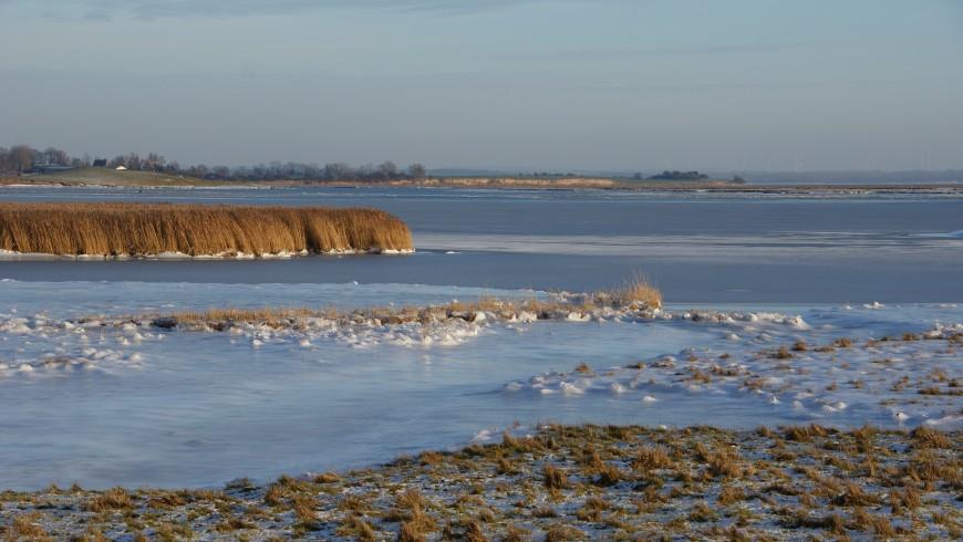 Poel_Island_Baltic_Sea_in_winter_2-870x490