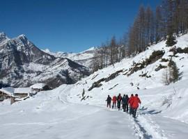 Un paseo en la nieve de Piamonte