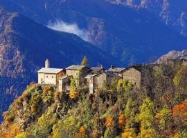 Otoño en valle Maira, piamonte