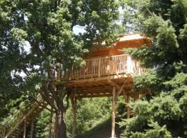 tree-house-7-270x200