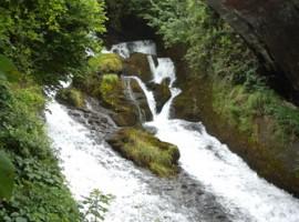 Cascadas de Fiumelatte en Varenna