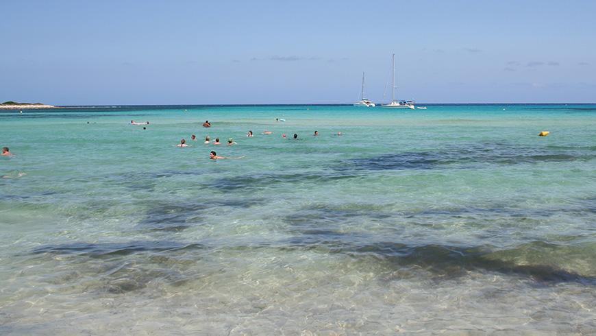 Punta Prima, Menorca,España. Un mar de ensueño: las 30 playas más bellas de España