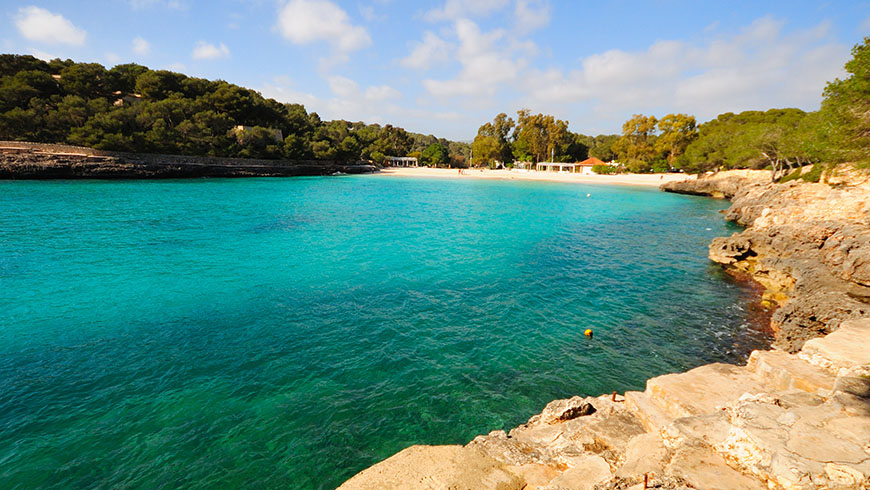 Cala Mondragò, Mallorca, España. Un mar de ensueño: las 30 playas más bellas de España