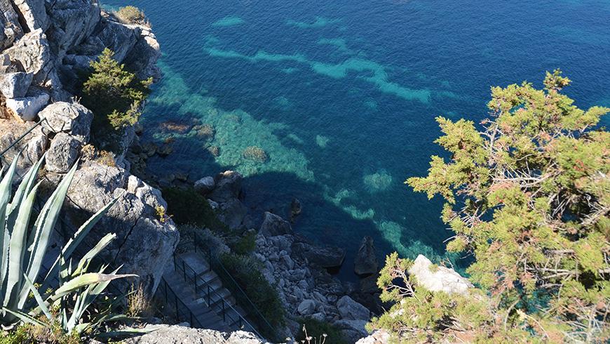 Port de San Miguel, Ibiza, España. Port de San Miguel, Ibiza, España. Un mar de ensueño: las 30 playas más bellas de España