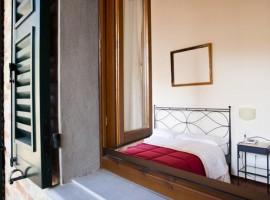 Las habitaciones de Casa Olivo, Durmiendo en un antiguo pueblo de Italia