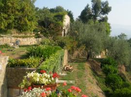 Jardines de la casa B&B Alla Casalta, en los Alpes Alpuanos,Liguria