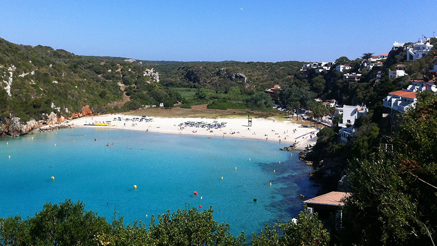 Cala n'Porter, Menorca,España. Un mar de ensueño: las 30 playas más bellas de España