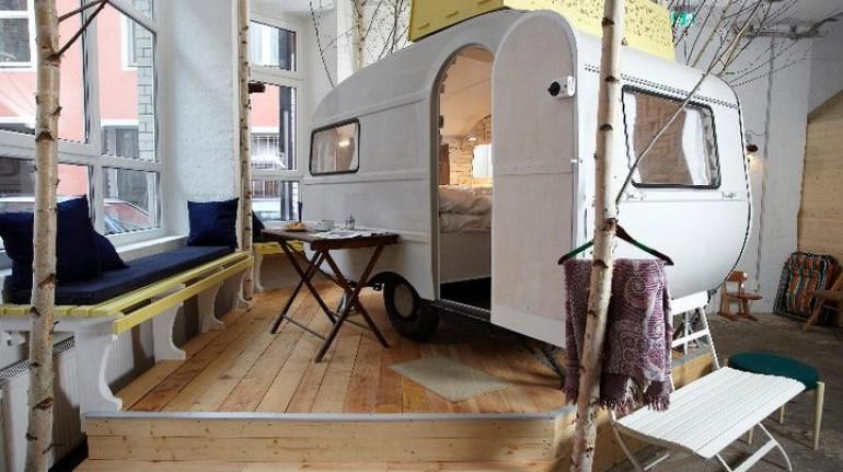 Cabañas de madera al interior del Hüttenpalast. Los 19 hoteles más extraños del mundo
