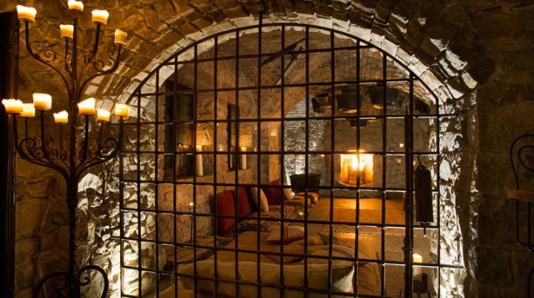 Habitación de Eremito Hotelito del Alma, Umbría, Los 19 hoteles más extraños de mundo