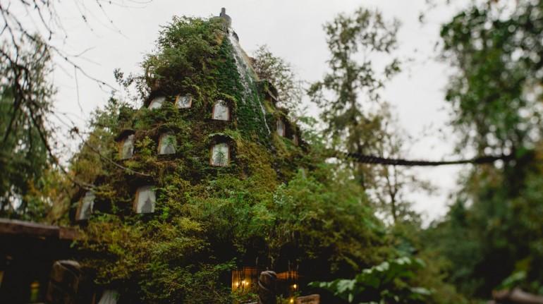 Exterior del Magic Mountain Hotel en la Patagonia. Los 19 hoteles más extraños del mundo