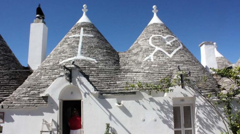 Exterior de las casas trullo en Masseria Torricella. Los 19 hoteles más extraños del mundo