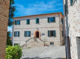 Exterior de un Albergo Diffuso, en el municipio de Sauris en Friuli Venezia Giulia