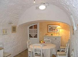 Comedor del Moulin de Maître Cornille ,Francia. Los 19 hoteles más extraños del mundo