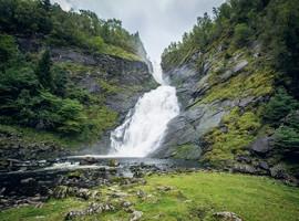Paisaje natural del recorrido del ferrocarril de Bergen en Noruega