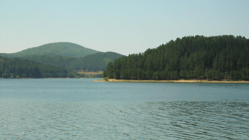 Lago Arvo, Italia. Fin de semana: 10 lagos de Italia para una escapada eco-friendly