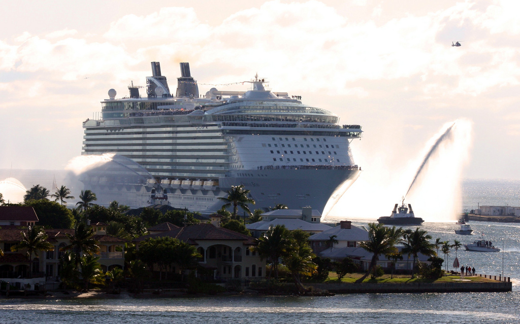 El peligro de elegirlos: ¿Sabías cuánto contaminan los cruceros?