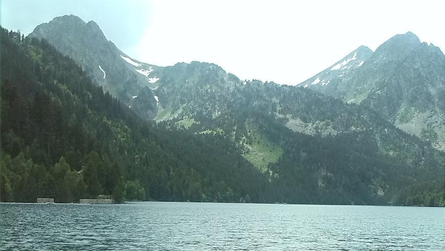 Lago de San Mauricio, Lérida, España. Fin de semana en la naturaleza: Descubre estos 10 lagos en España