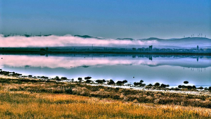 Laguna de Gallocanta, Aragón, España. Fin de semana en la naturaleza: Descubre estos 10 lagos en España
