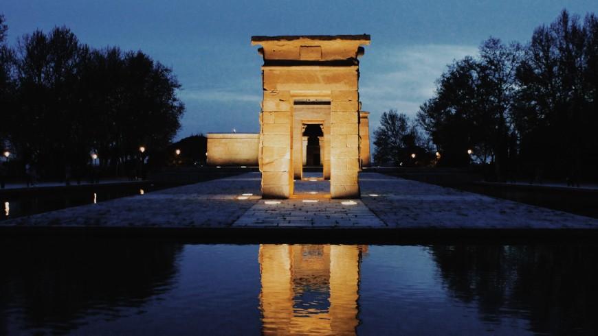 Templo de Debod, foto de Paula Carrasco, a través de Unsplash