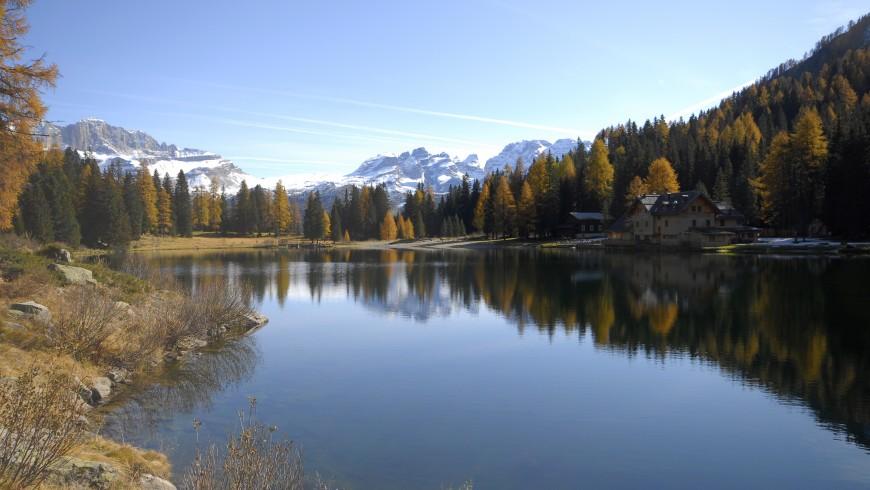 Lago Nambino en otoño, primera etapa de 5 lagos