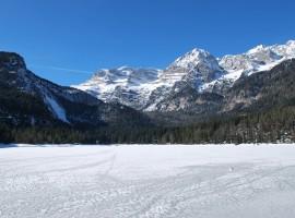 El lago congelado de Genetti Roberto en pixabay