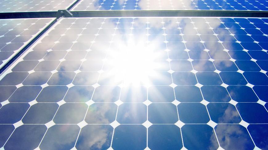 Electricidad a partir de fuentes 100% renovables.
