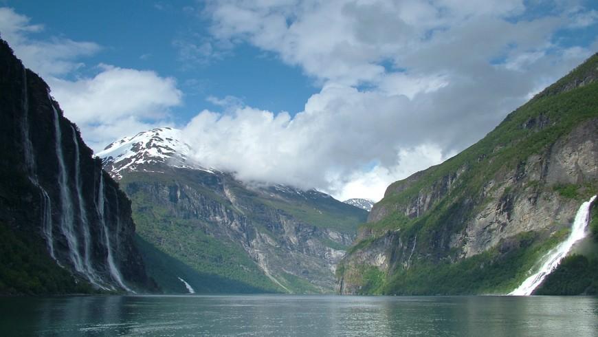 Seven Sisters Waterfall, Noruega