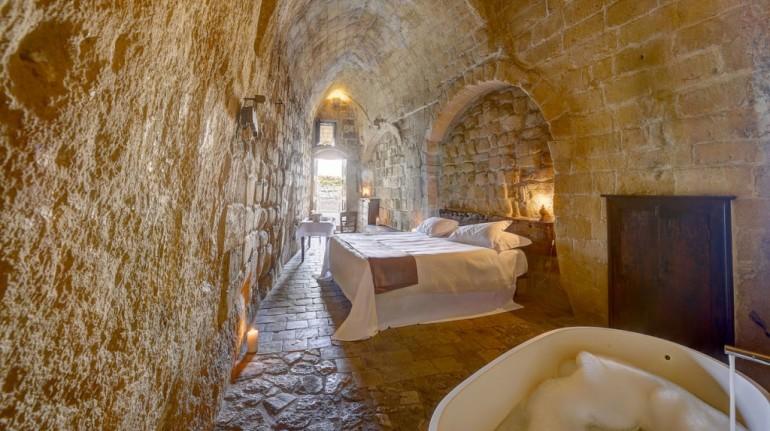 Habitación en una cueva de Matera, Italia