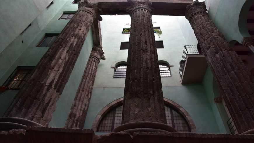las columnas del Templo de Augusto